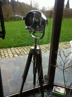 Strand Electric – vintage stage lamp Strand Patt 123, with a new tripod