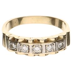 14 kt yellow gold ring set with a row of five brilliant cut diamonds, 0.25 ct in total – ring size 18