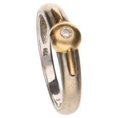 18 kt bi-colour gold ring set with a 0.03 ct brilliant cut diamond, ring size 17