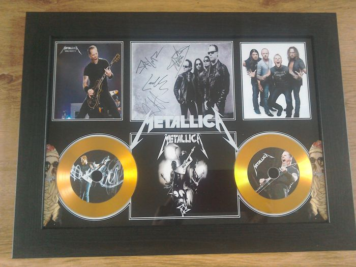 Metallica framed gold effect cd display , complete with signed ( printed ) pictures.
