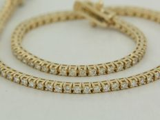 18 kt Yellow gold tennis bracelet set with 82 octagon cut diamonds, approx. 1.85 ct in total, Top Wesselton, VS/SI