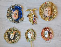 Lot with 5 Venetian masks
