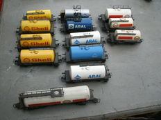 Märklin H0 - 13 various tank carriages