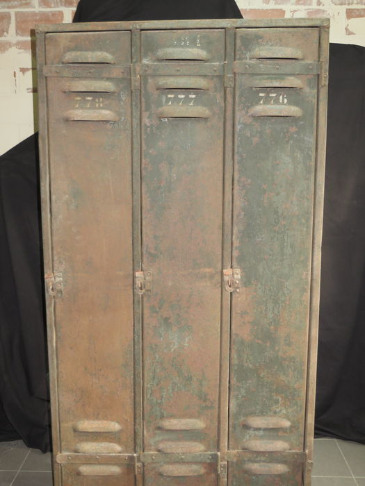 Onwijs Vintage metal locker-cabinet with 3 doors - Catawiki TR-89