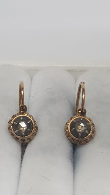 14 kt yellow gold earrings set with rose diamond, no reserve!