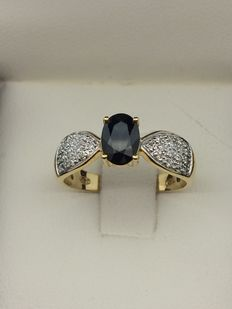 Gold (750) ring with sapphire and diamonds - No. 54 - Total weight: 3.02 grams