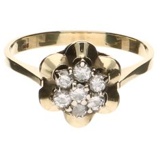 Yellow gold 14 kt, rosette ring set with 7 brilliant cut diamonds, 0.49 ct in total.