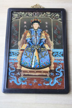 Painted table on glass - China - dignitary sitting on his throne - second half of the 20th century