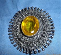 Large Silver Brooch/Pendant with yellow Stone, end of the 19th century