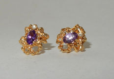 Magnificent stud earrings made of gold with diamonds and amethysts