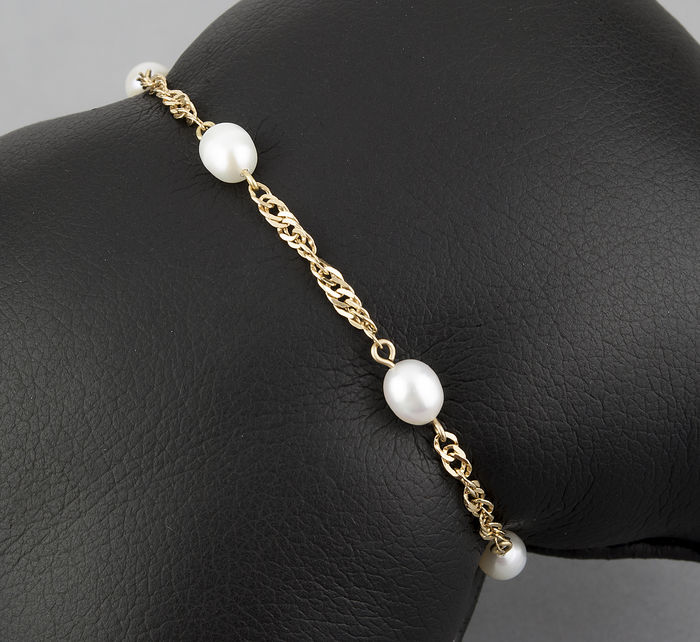 18 kt yellow gold bracelet with Akoya Pearls – Bracelet length: 18 cm