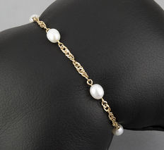 Yellow gold, 18 kt/750 - Bracelet - Akoya cultured pearls - Bracelet length: 15.50 cm (approx.)