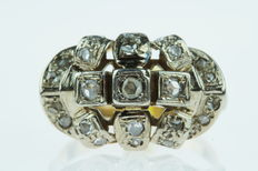 14 kt gold Art Deco women's ring set with diamonds in white gold setting, ring size: 18.5, approx. 1025