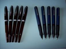 5 Sheaffer Javelin Fountain pens and 5 Sheaffer Award Ballpoint pens