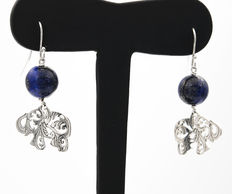 Elephant motif earrings made of silver with lapis lazuli