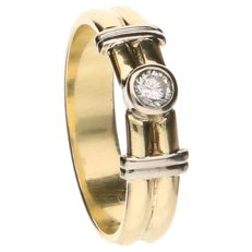 14 kt yellow gold ring set with a brilliant cut diamond of 0.10 ct