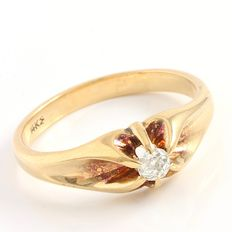 14kt Yellow Gold Diamond  Ring ,   Size: 9.5 - T