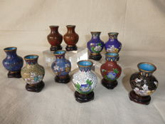 Set of 10 small spherical vases of cloisonné - China - late 20th century