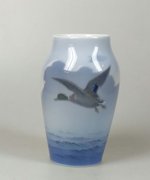 Royal Copenhagen Vase With A Depiction Of A Flying Duck Catawiki
