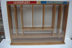 Display case - Counter cabinet in beech wood
