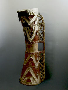 Ancestor drum - Asmat - West-Papua