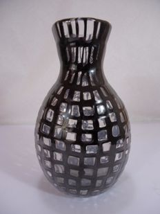 "Tobia Scarpa (Venini) - rare vase from ""Occhi"" series, with black crystal murrine"