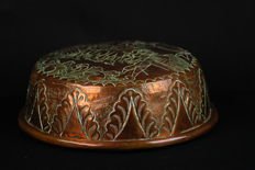 Embossed copper cake tin - the Netherlands - first half of 19th century