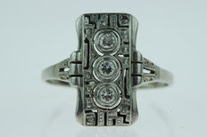 14 kt white gold Art Deco ring set with diamonds, ring size: 19.25, approx. 1920