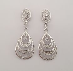 Long earrings made of18 kt white gold with zirconias