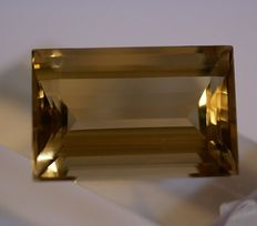 natural  Citrine, brownish-yellow, 45,23ct