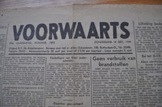 War newspapers; Voorwaarts - 121 issues from September 14 1944 though April 2 1945