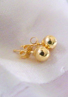Earrings with beads made of 18 kt / 750 gold
