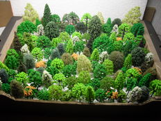 Scenery H0 – lot of 123 trees, pines of among others Busch, Noch, Heki
