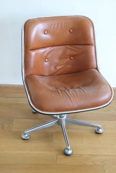Talin – vintage executive chair
