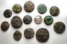 Antiquity - Lot comprising 14 pieces. AE. AR. Greek