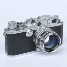 Fabulous CANON  IID1 rangefinder camera with 50 mm f 1: 1.8 CANON lens and ever-ready.