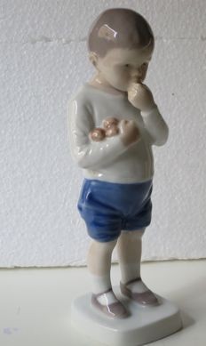 """Bing and Grondahl B&G - 1696 """"Peter"""" boy with apples"""