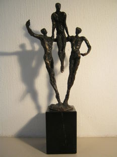 "Mark Jurriens - signed sculpture on marble base - ""Support"""