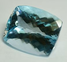 Topas - sky-blue  - 88,31 ct