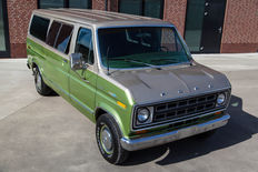 Ford - Club Wagon Chateau - 1976