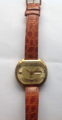 Wittnauer (Longines) Geneva automatic, 1970s, with day and date