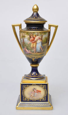 Royal Vienna Style urn-shaped vase-Amor & Psyche