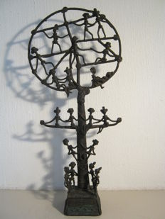 Refined and unique bronze work of art - Tree of Life - 26.5 cm high.