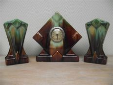 Thulin - Art deco chimney piece, clock with 2 vases