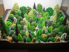 Scenery H0 – lot of 122 trees, pines of among others Busch, Noch, Heki