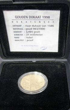 The Netherlands – ducat 1998, Beatrix – gold in coffer.