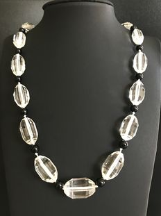 Black and white necklace from the 1930s, with large faceted rock crystal pearls - No reserve price