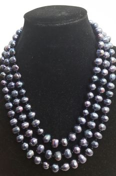XL necklace in freshwater cultured big black round pearls