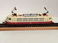 Fleischmann N - 7376 - Electric locomotive BR103 of the DB, beige/red