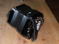 Elise Hayden Duet, Concertina with carrying bag and instruction book